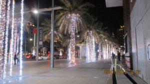Нощният Дубай. Не сме виждали по-осветен град